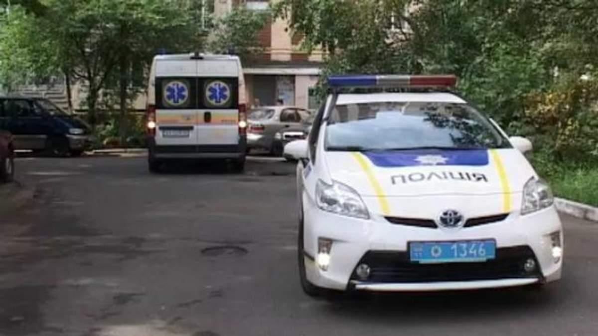 Мужчину убили прямо в подъезде в Киеве