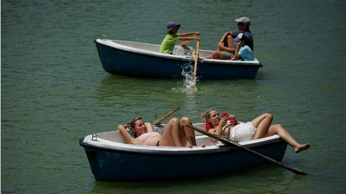 Відпочинок на річці
