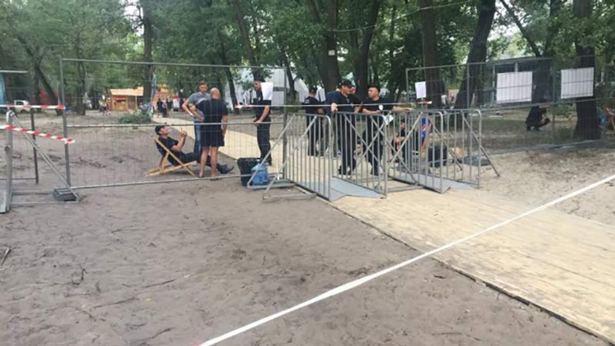 На фестиваль в Киеве пришли с обысками