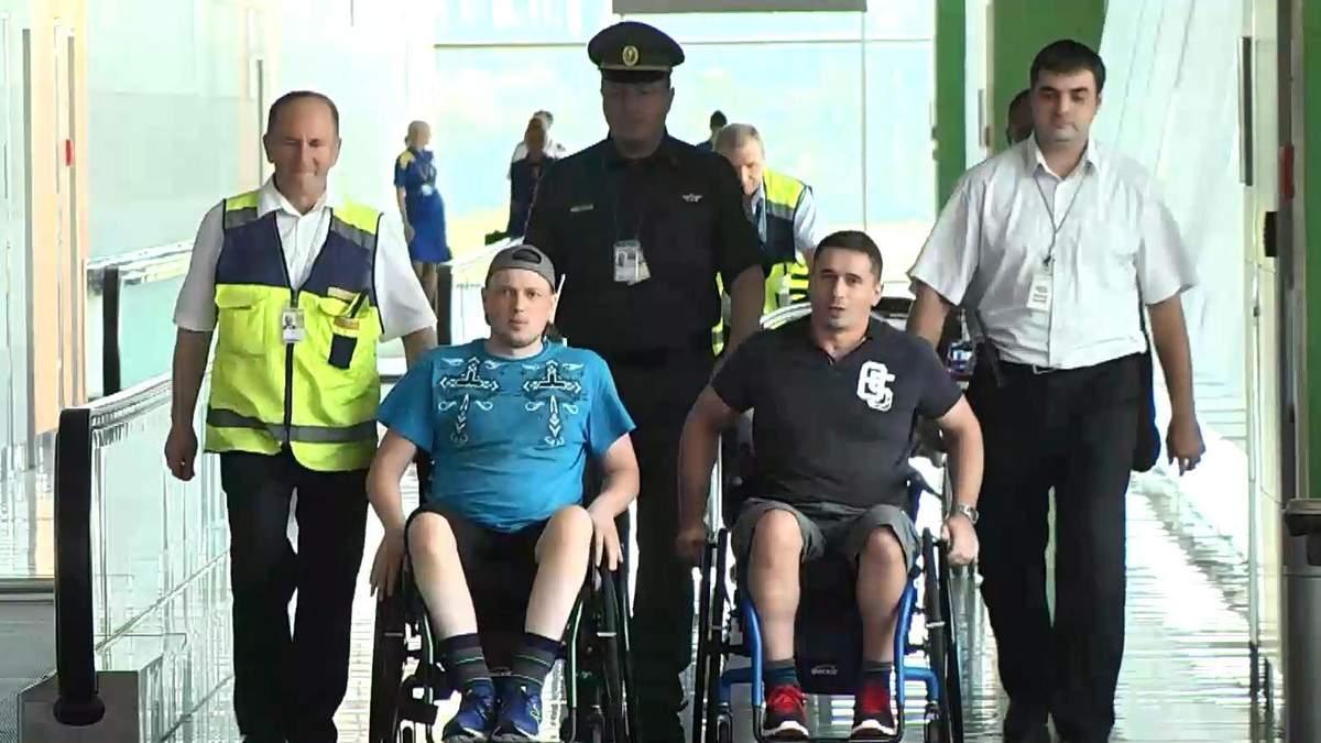 Раненые бойцы АТО вернулись из США после лечения
