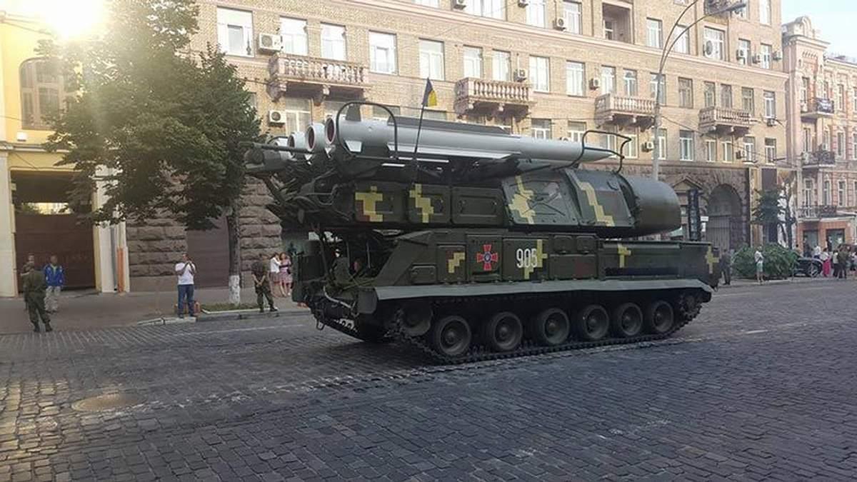 Військова техніка у Києві