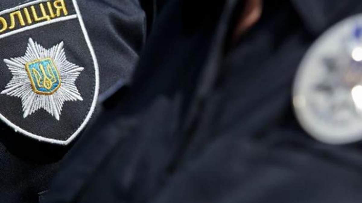 Поліцейського підстрелили на станції метро в Києві, – ЗМІ