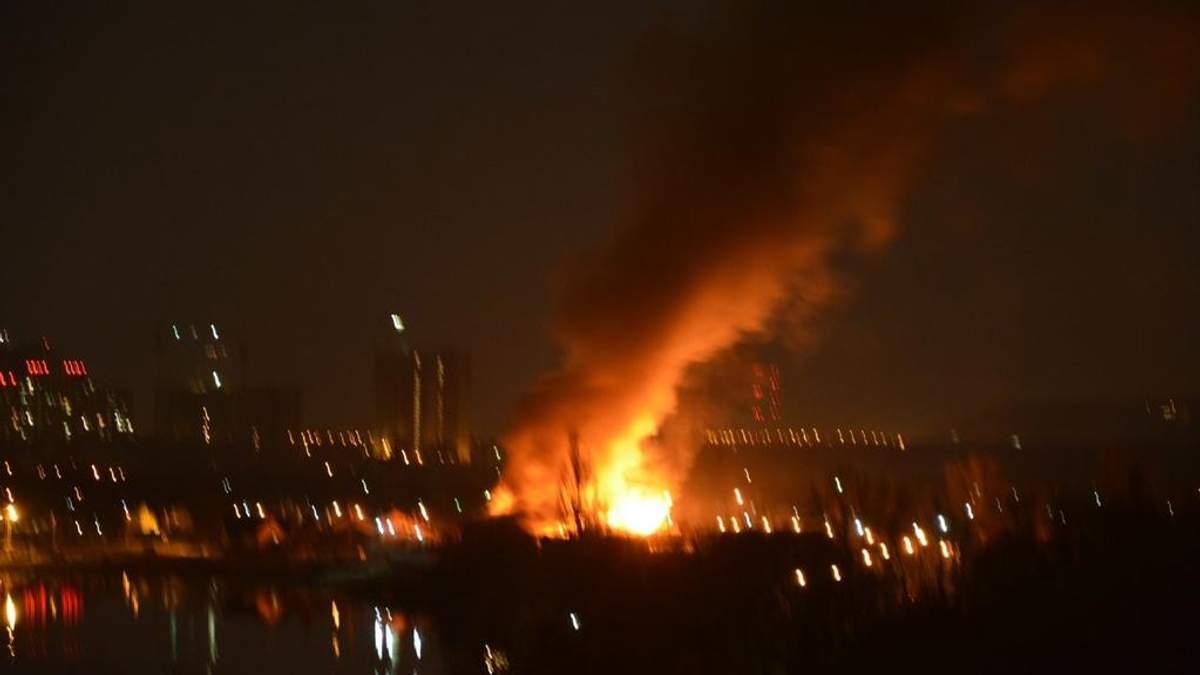 Оздоровительный комплекс горел в Киеве: есть пострадавший