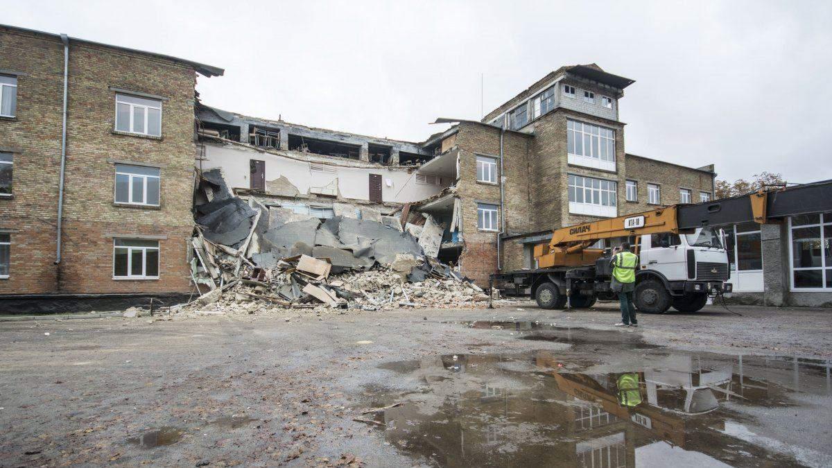 Правительство не планирует возобновлять школу в Василькове, которая обвалилась прошлом году