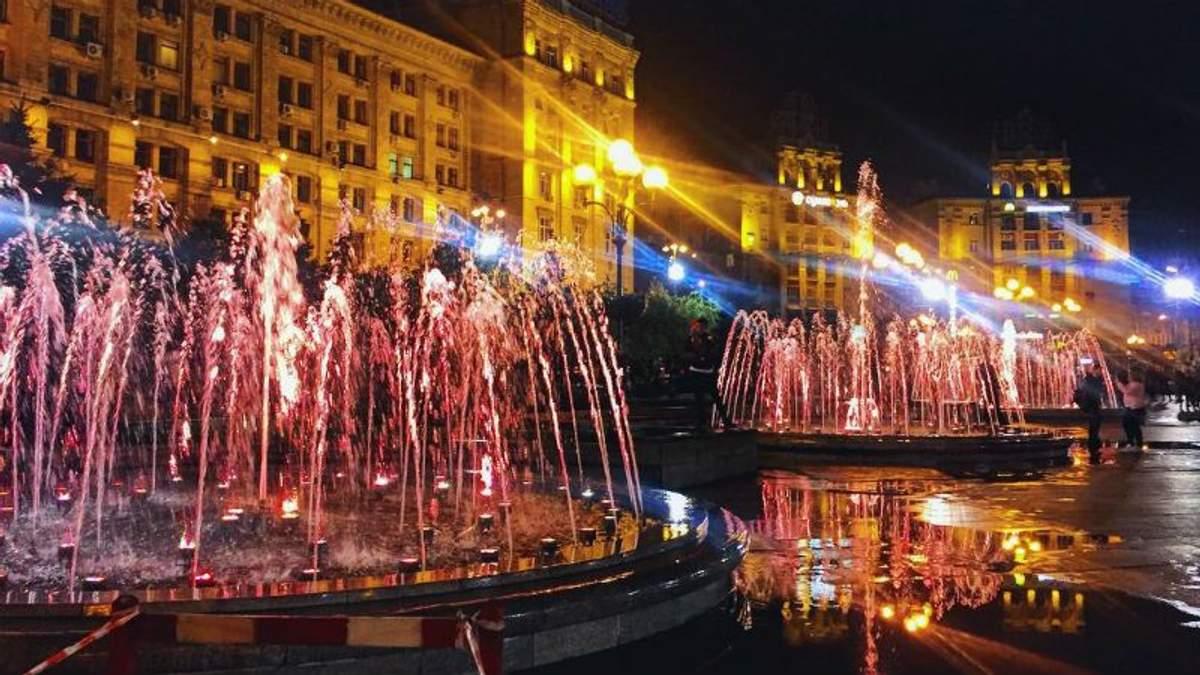 На Майдане Независимости заработали фонтаны: яркие фото и видео