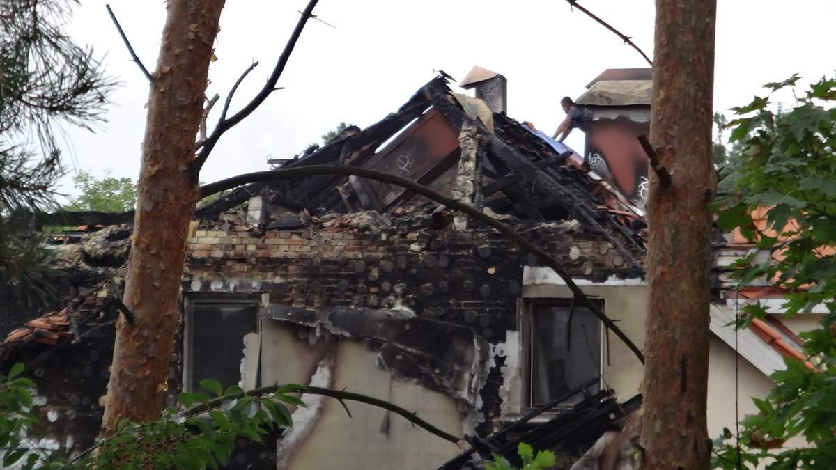 Прокурорські розбірки з підпалами будинків і підривами відбулися під Києвом, – журналіст