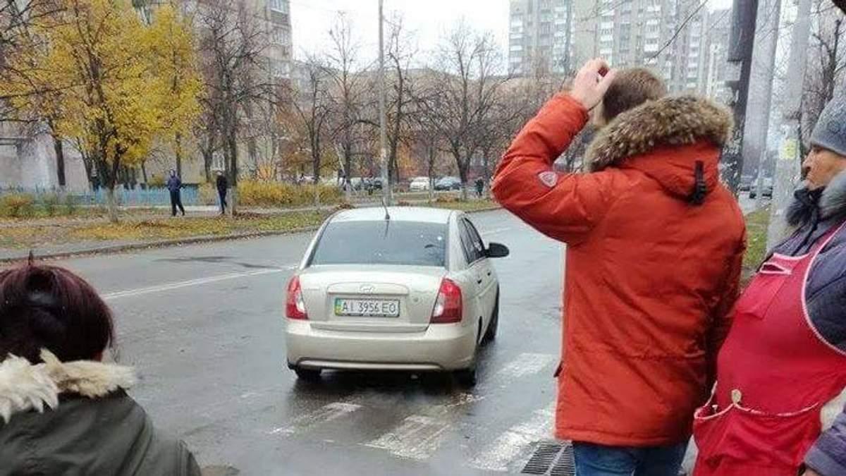В Киеве посреди улицы похитили женщину