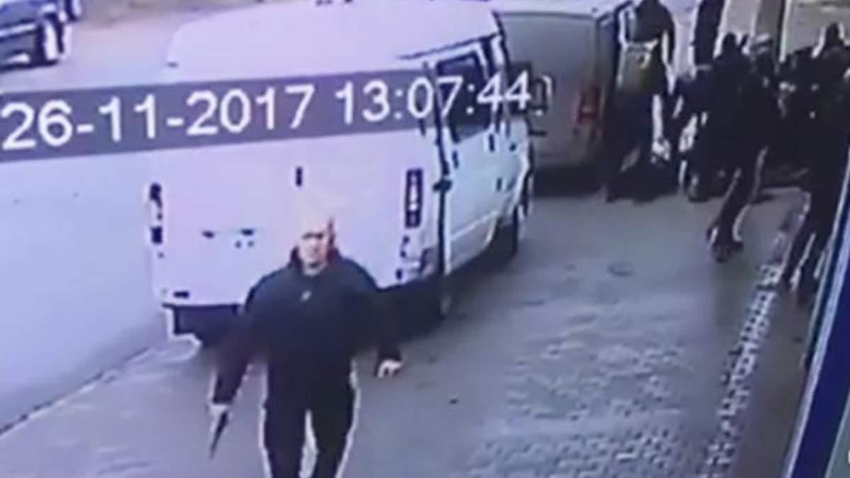 """Ще одного активіста """"Руху визволення"""" затримано на Житомирщині: відео з камер спостереження"""