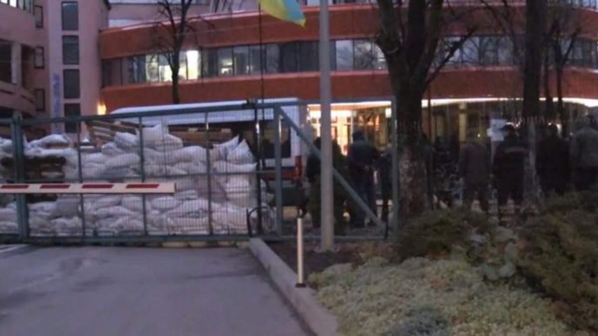 Канал NewsOne заблокировали в Киеве: интересные факты о блокировки канала