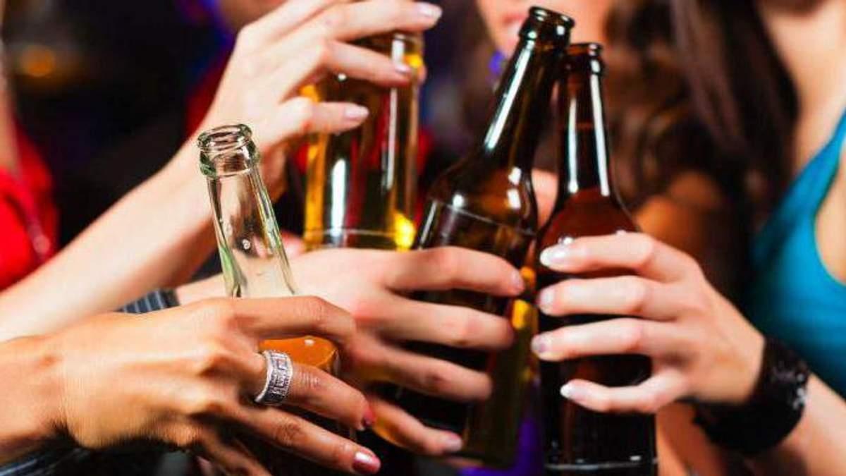 Школярка з Києва потрапила до лікарні після пива з коньяком