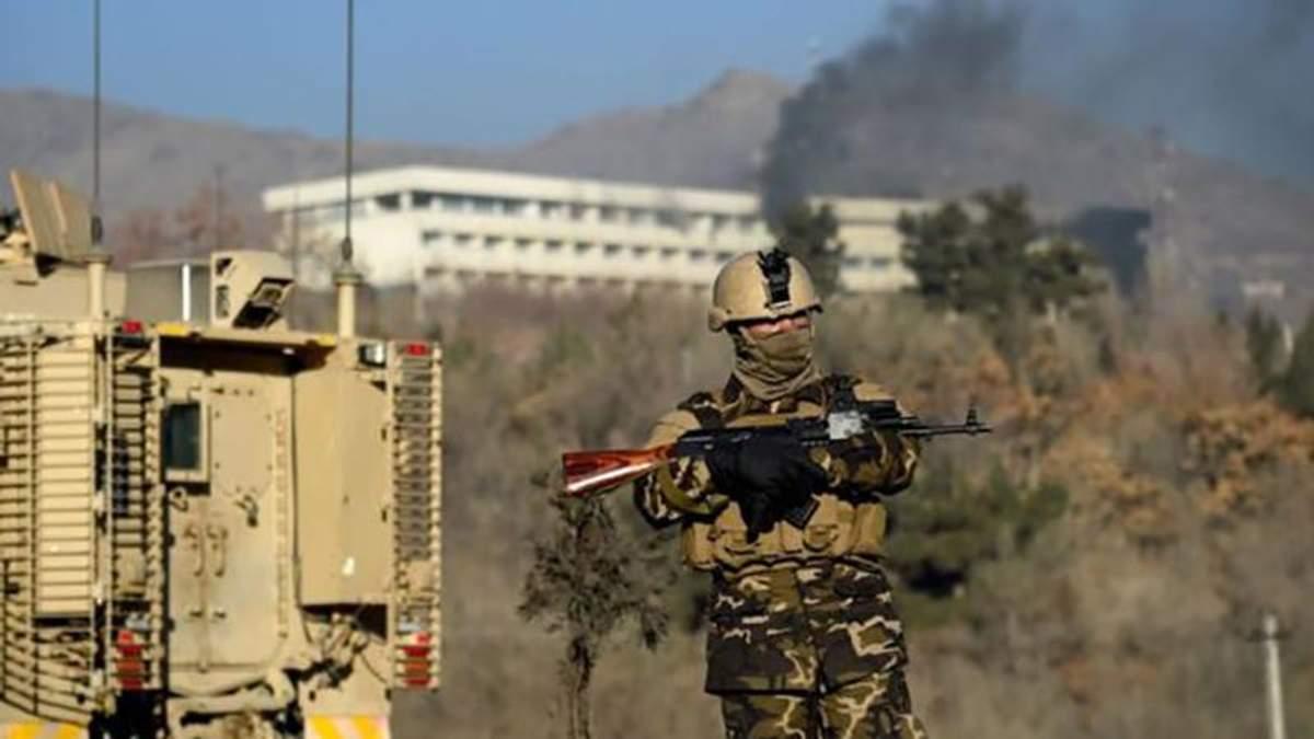 Українець, який вижив у кривавому теракті в Кабулі, розповів деталі трагедії