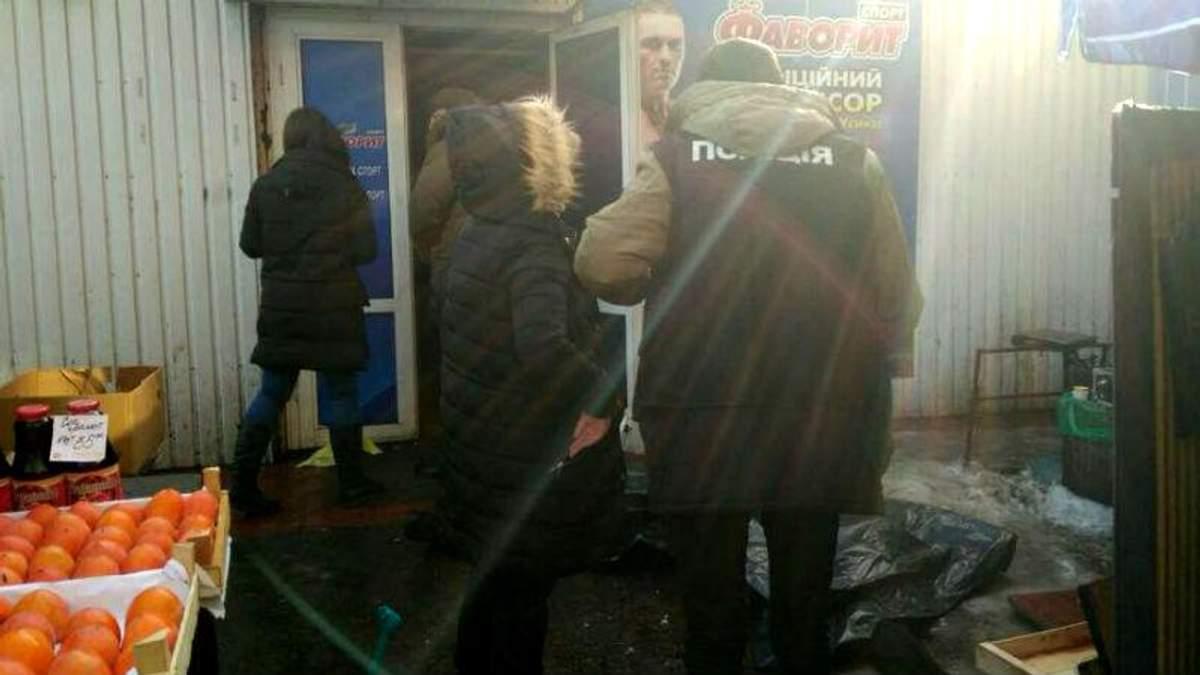 Вбивство серед білого дня у Києві: у поліції розповіли деталі