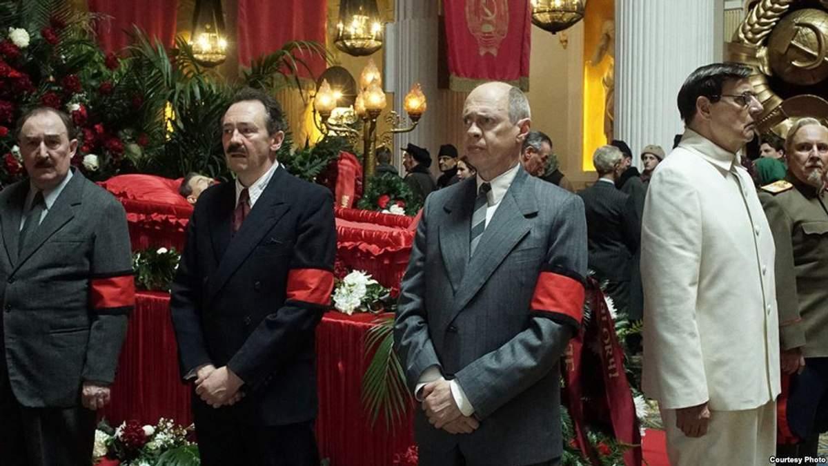 """Запрещенная в России """"Смерть Сталина"""" может иметь непосредственное отношение к Украине"""