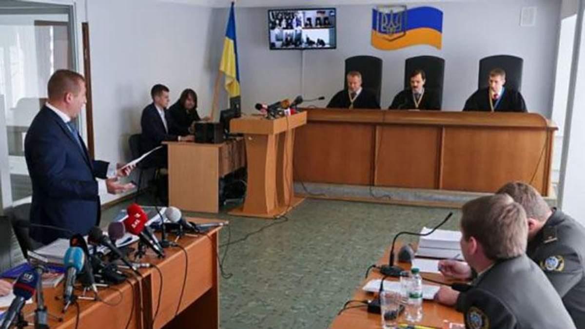 Суд у справі Януковича: адвокати екс-президента намагались зірвати судове засідання
