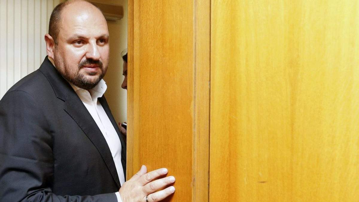 Суд дозволив зняти Розенблату електронний браслет