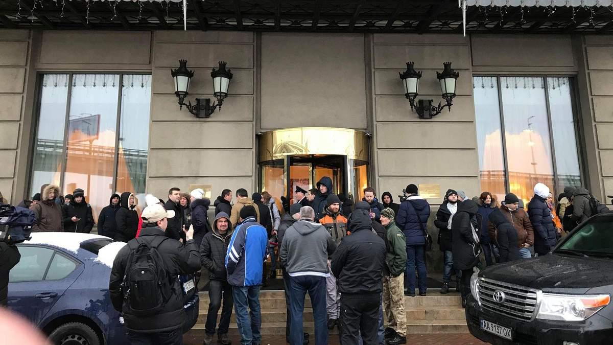 Це тиск з боку української влади – Саакашвілі про інцидент в готелі