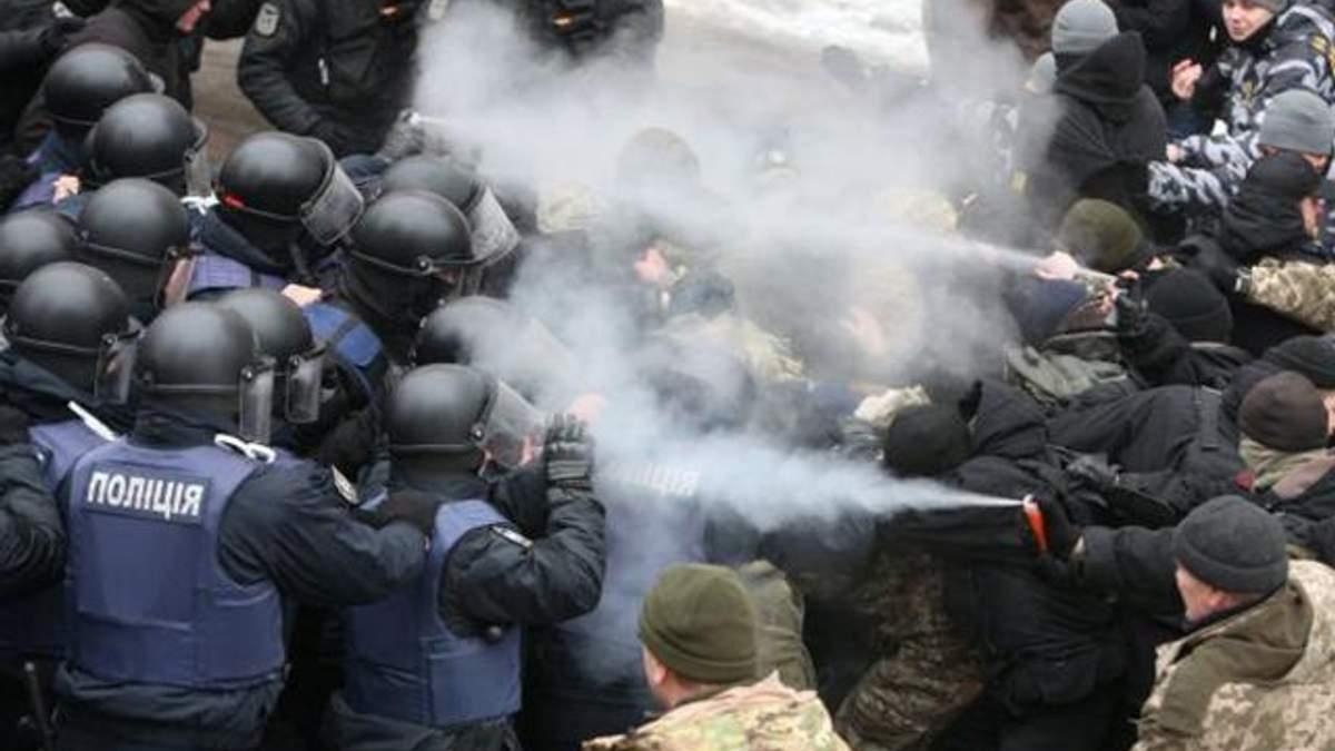 Двум участникам столкновений во Соломенским судом Киева избраны меры пресечения