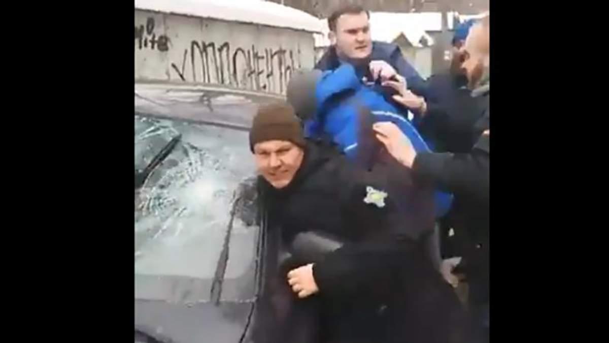 Активисты напали на молодых людей, которые якобы избили Левченко