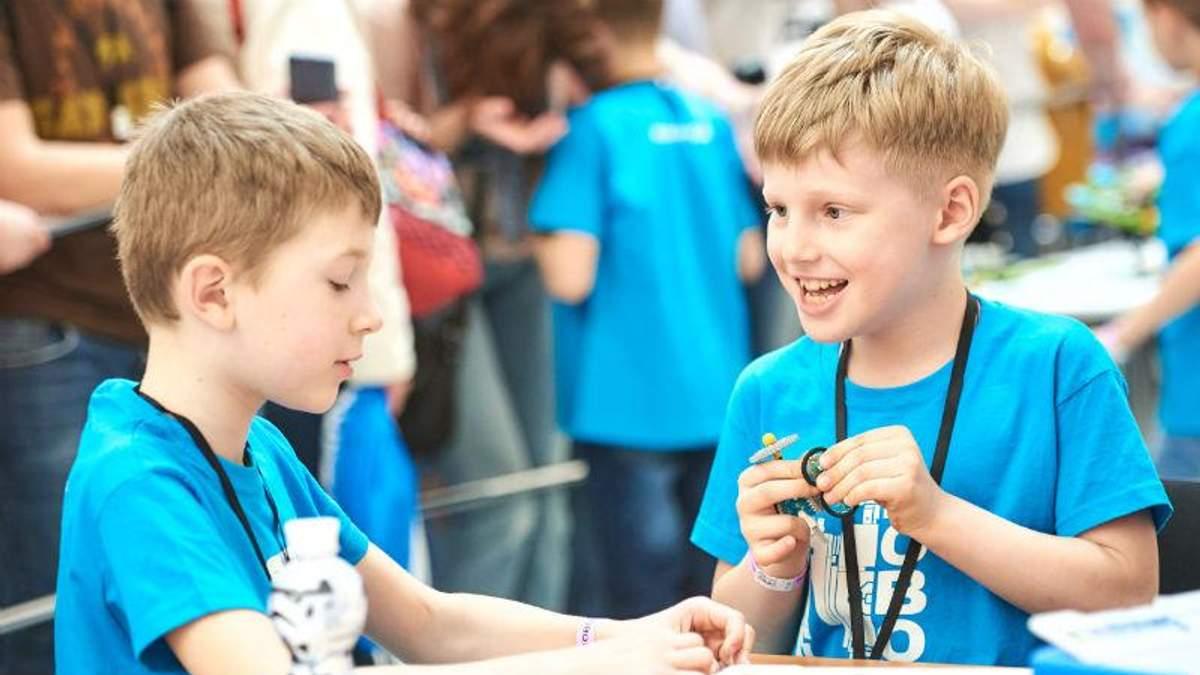 В Киеве прошел крупнейший STEM-фестиваль по роботехнике в Европе: фотообзор