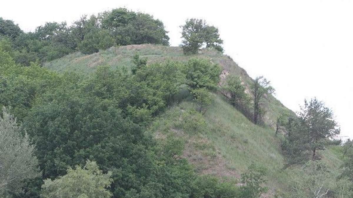 Під час планового обходу рятувальники виявили на столичній Лисій горі мінометну міну часів Другої світової війни