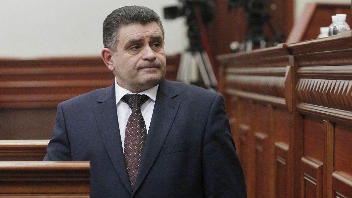 Скандальне призначення Терещука: як Порошенко до виборів стягує силовиків