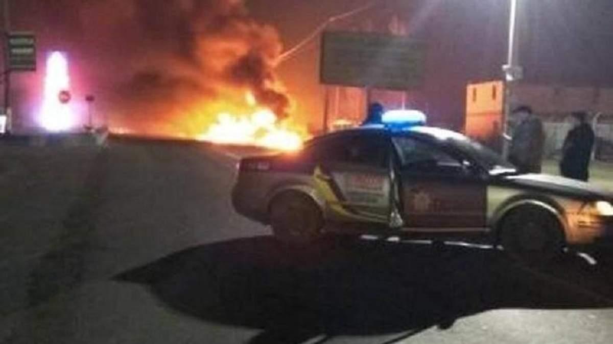 На АЗС під Києвом сталася пожежа