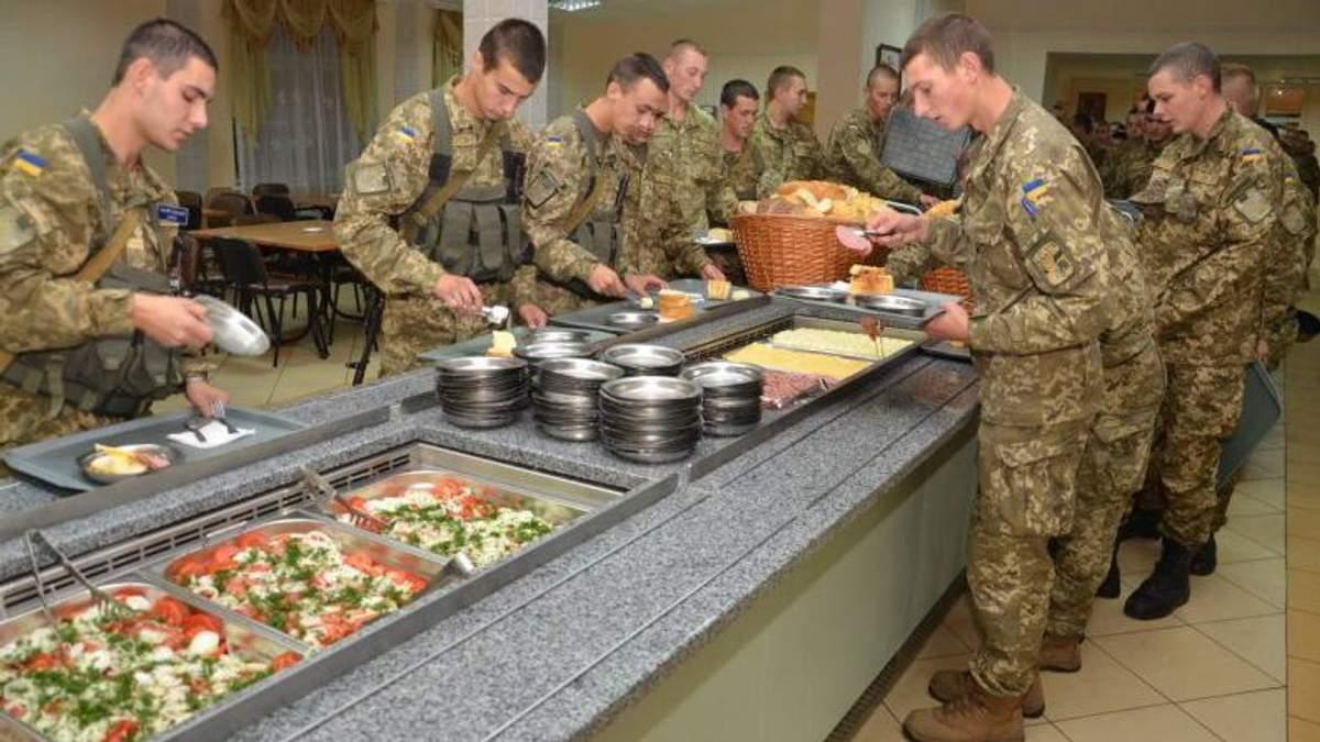 На Київщині у військовій частині потруїлись десятки військових