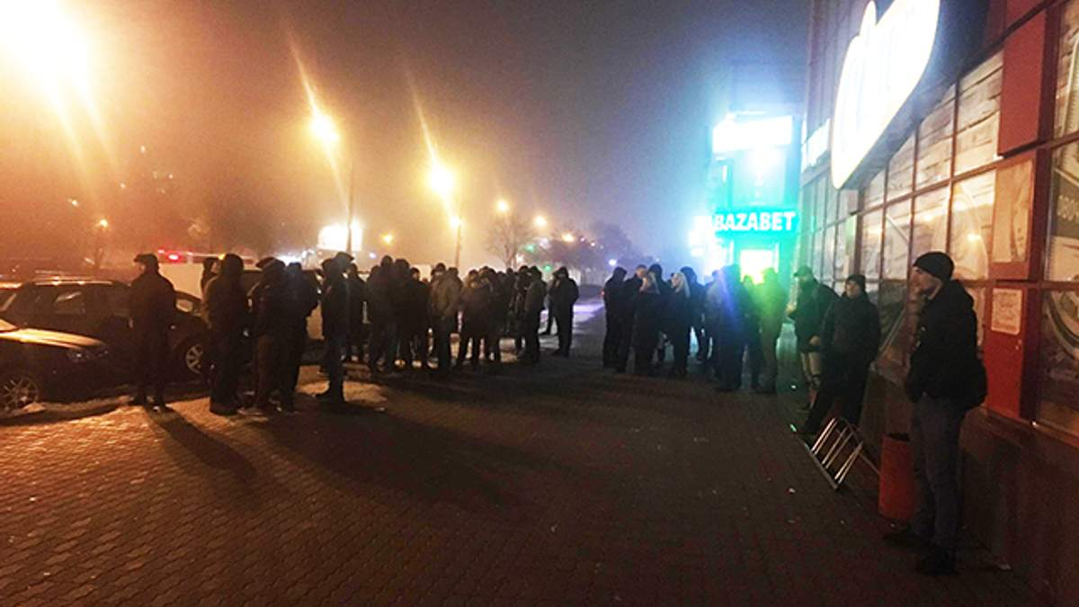 "В Киеве сообщили о захвате ТЦ ""Дарница"""