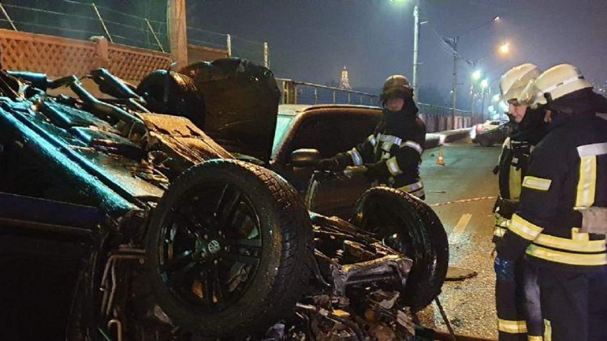 У Києві п'яний водій влаштував ДТП та паралізував рух Русанівським мостом