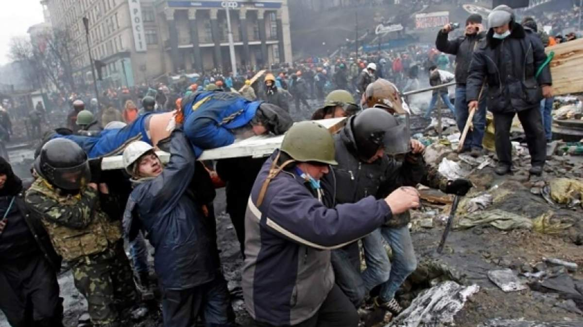 """Чому """"судді Майдану"""" досі не звільнені, – родини Небесної Сотні йдуть мітингувати під ВККС"""