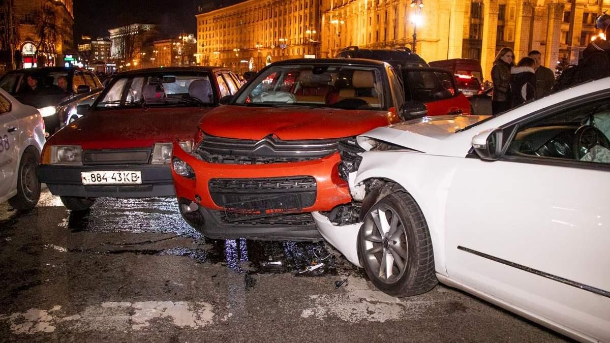 ДТП на Майдані в Києві за участю 6 авто