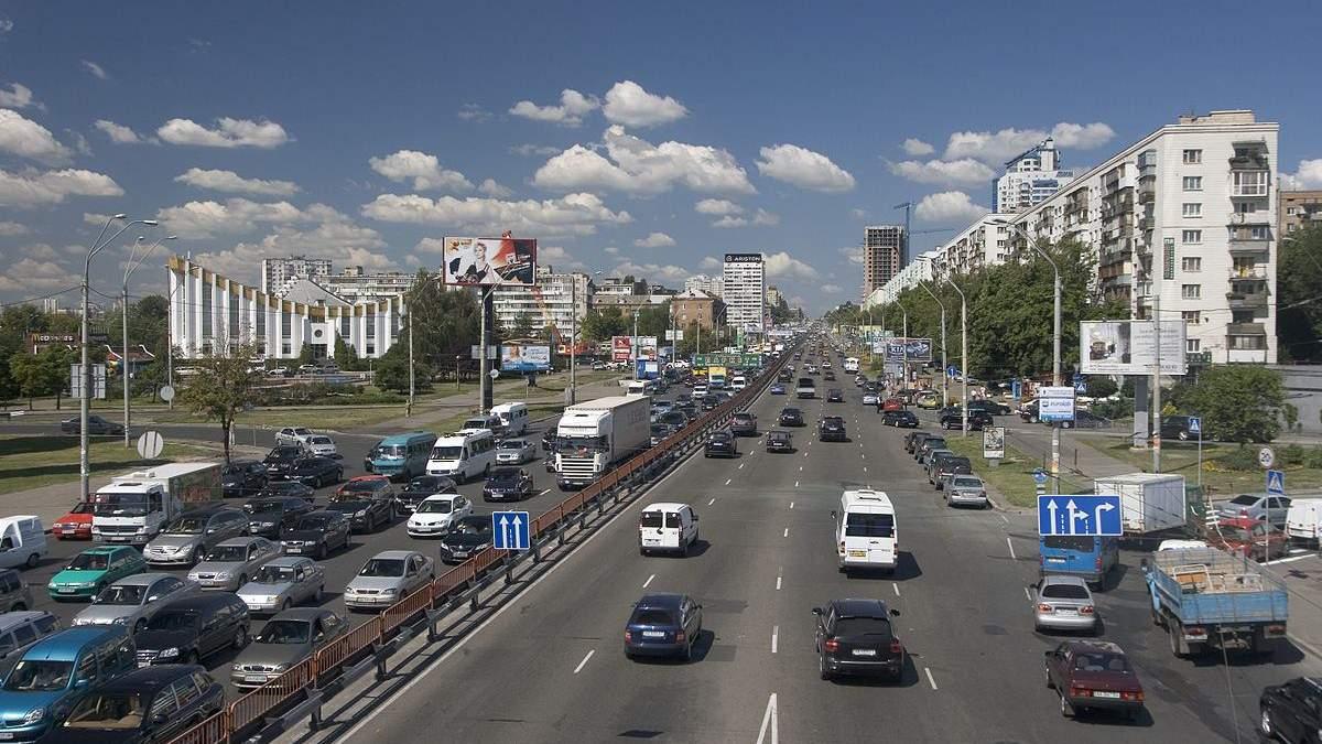 На проспекті Свободи у Києві знайшли тіло чоловіка