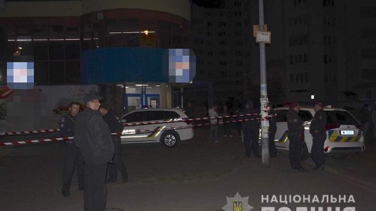 Стріляв по ногах: у Києві сталася сутичка за участю поліцейського – фото