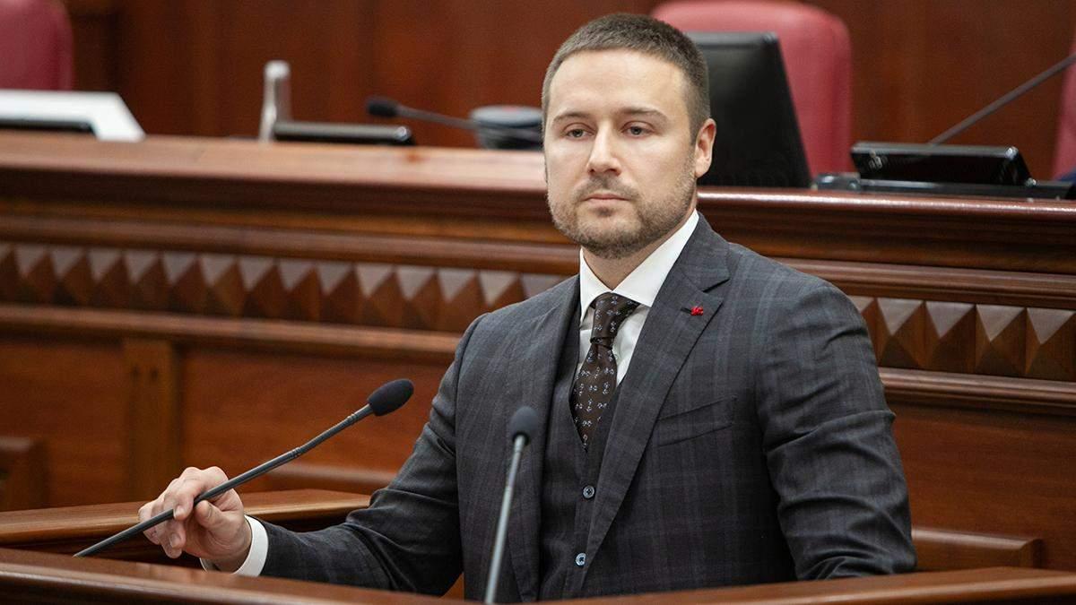 В Киеве избили заместителя главы КГГА Слончака, он в тяжелом состоянии