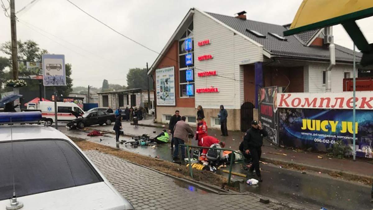 Смертельное ДТП в Броварах: появилось видео, как пьяный полицейский влетел в остановку