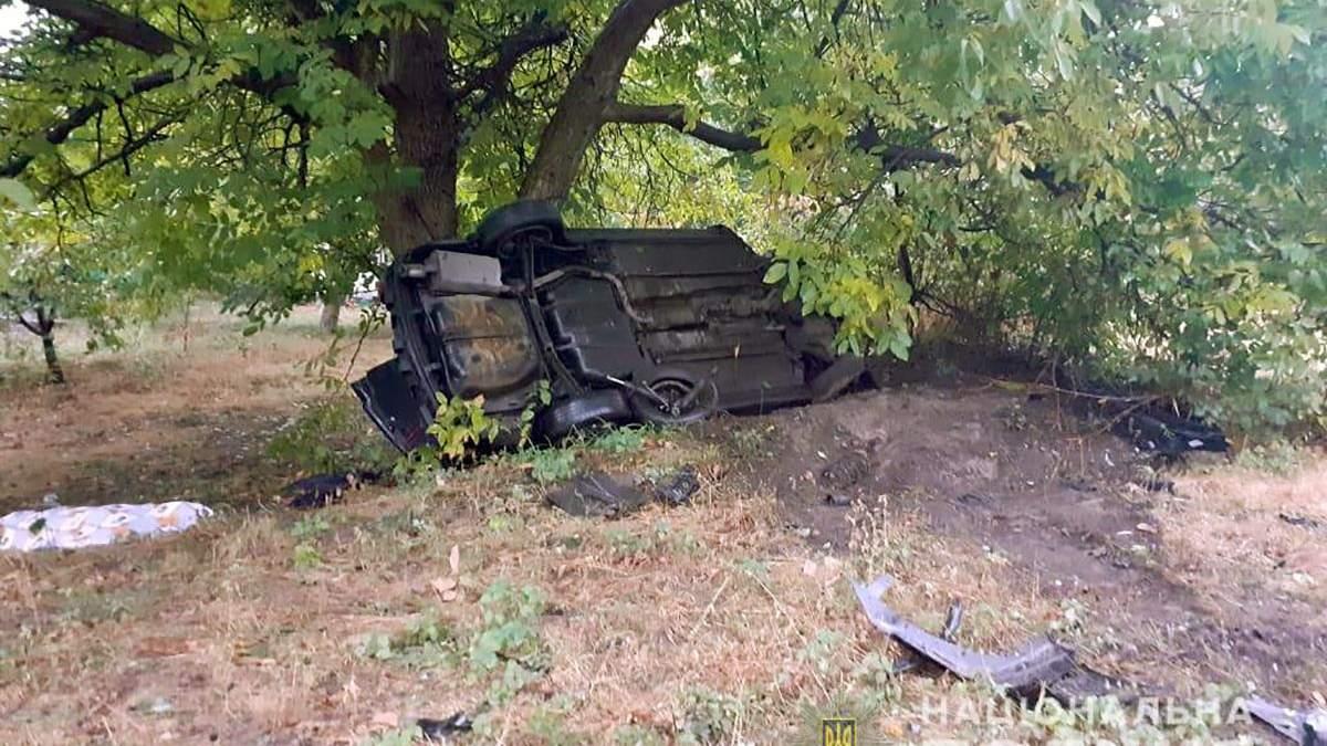 У ДТП на Київщині загинув юнак, ще 6 пасажирів авто потрапили до лікарні