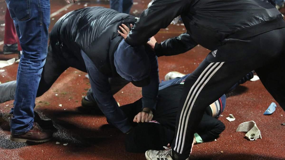 В Киеве на Троещине произошла драка с применением оружия: один из участников госпитализирован (иллюстративное фото)