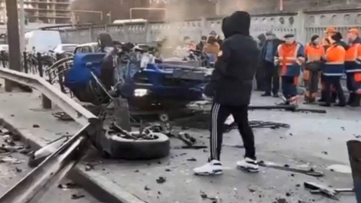 Водійка на Porsche у Києві влетіла на тротуар