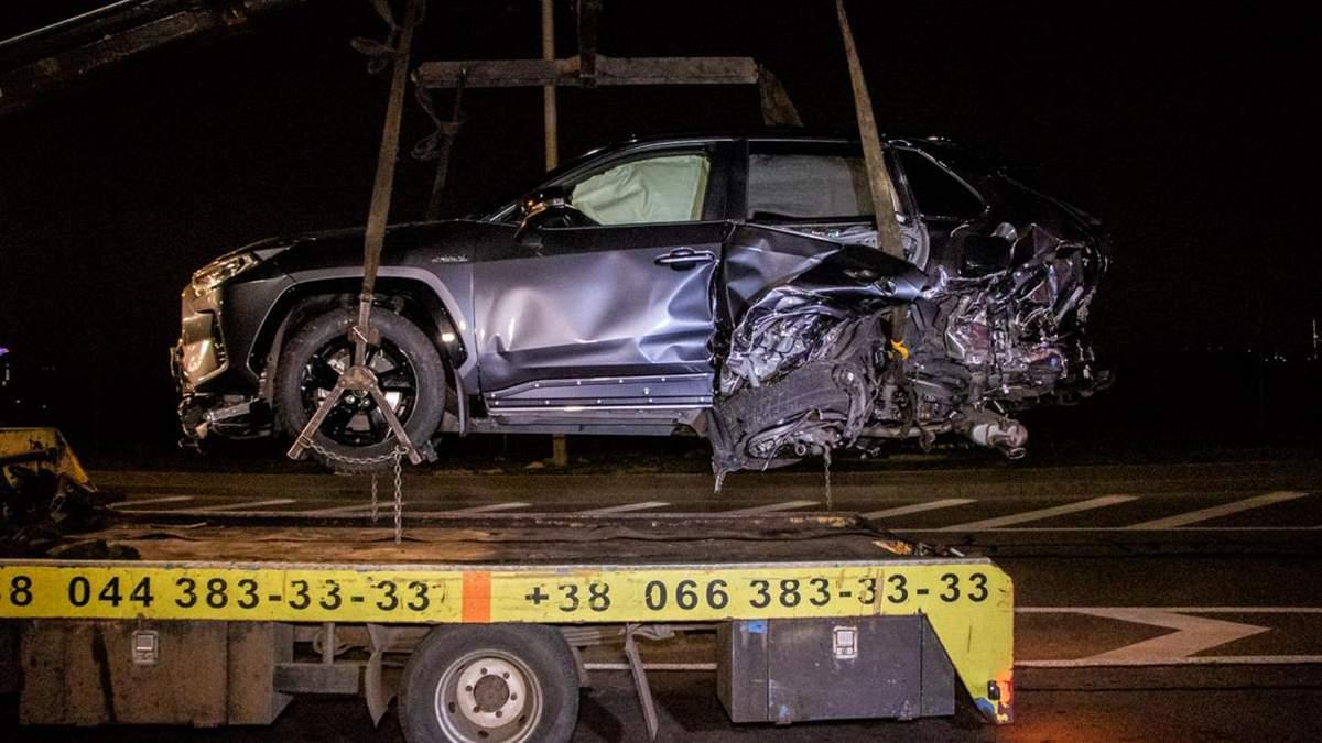 ДТП в Киеве: четыре автомобиля столкнулись на Набережном шоссе – фото, видео