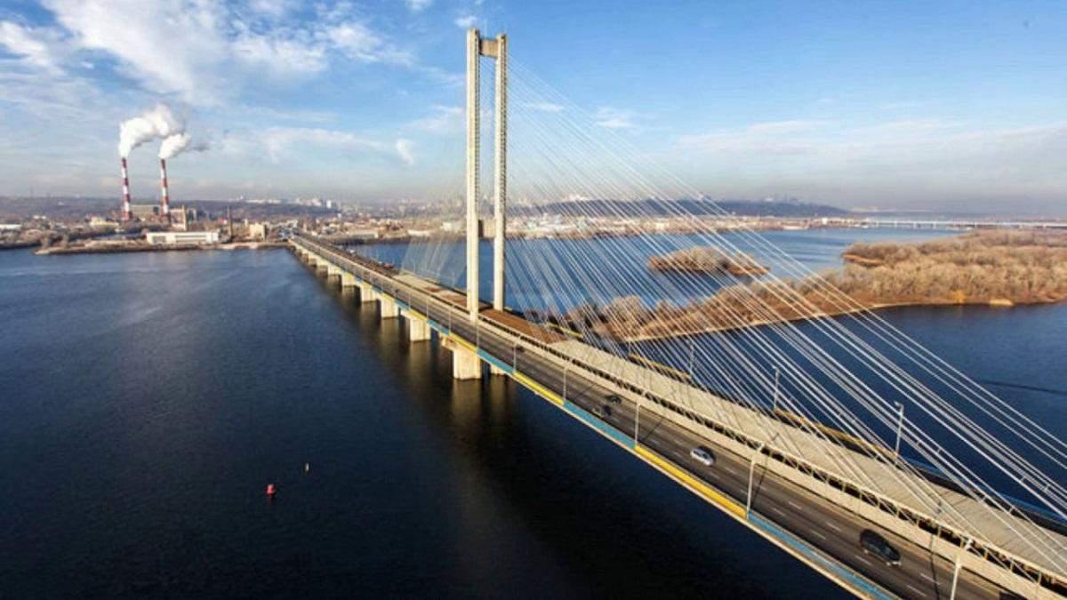 Через ремонт у Києві обмежили рух Південним мостом