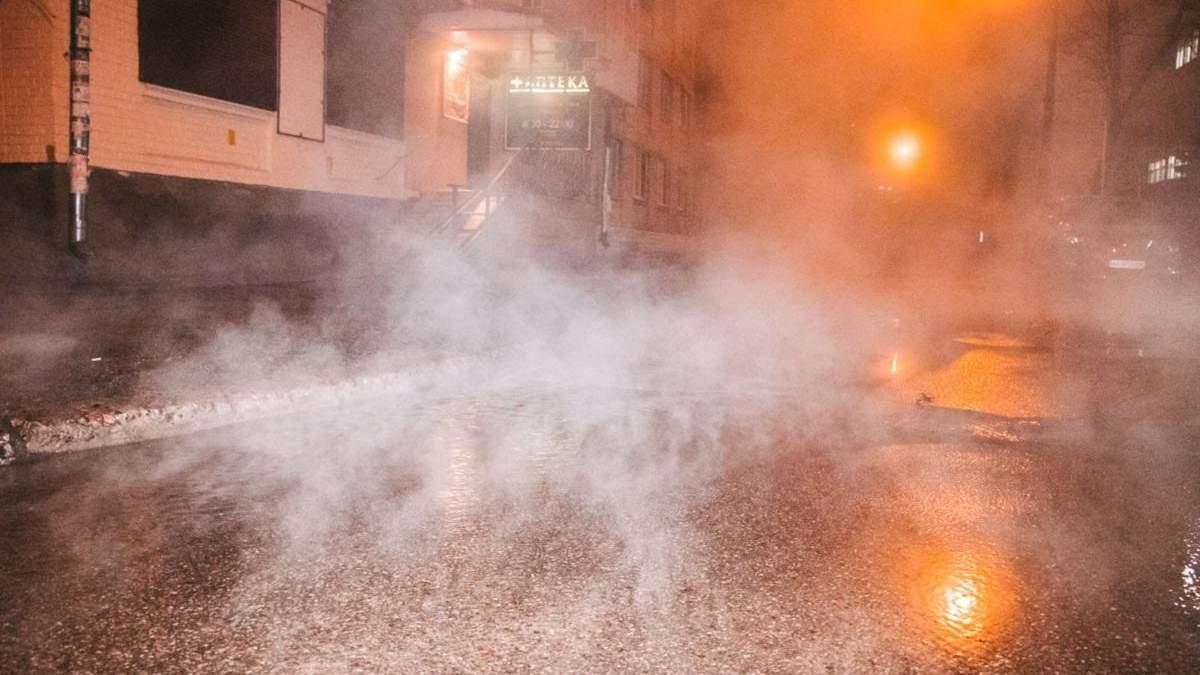У Києві вчетверте прорвало тепломережу