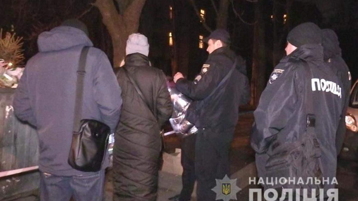 У Києві знайшли труп немовляти в сміттєвому баці