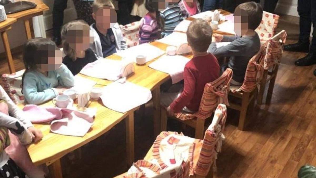 У столиці поліція виявила незаконне утримання 11 дітей