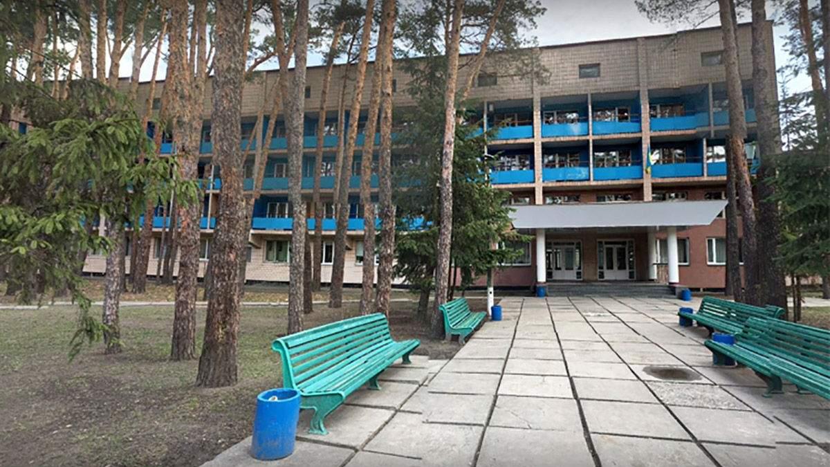 Зеленського просять не розміщувати українців з Уханя в Козині