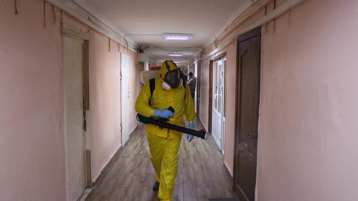 У Києві продезінфікували гуртожиток, у якому живе хворий на коронавірус студент: фото