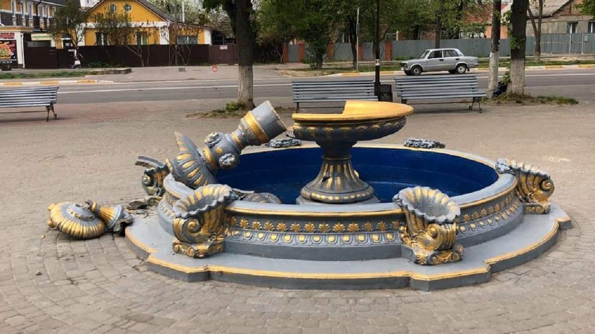 У Боярці жінка з дитиною перевіряли на міцність фонтан: відео карколомного падіння