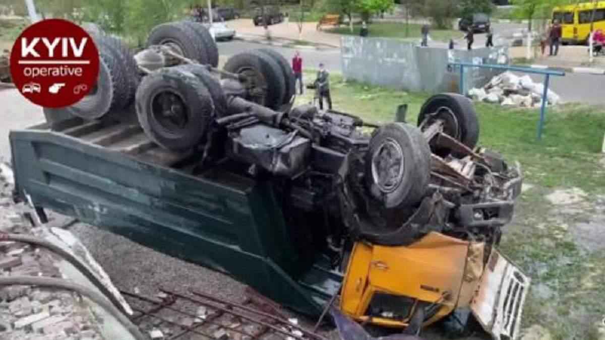 ДТП в Обухові: є загиблий, постраждалі - відео