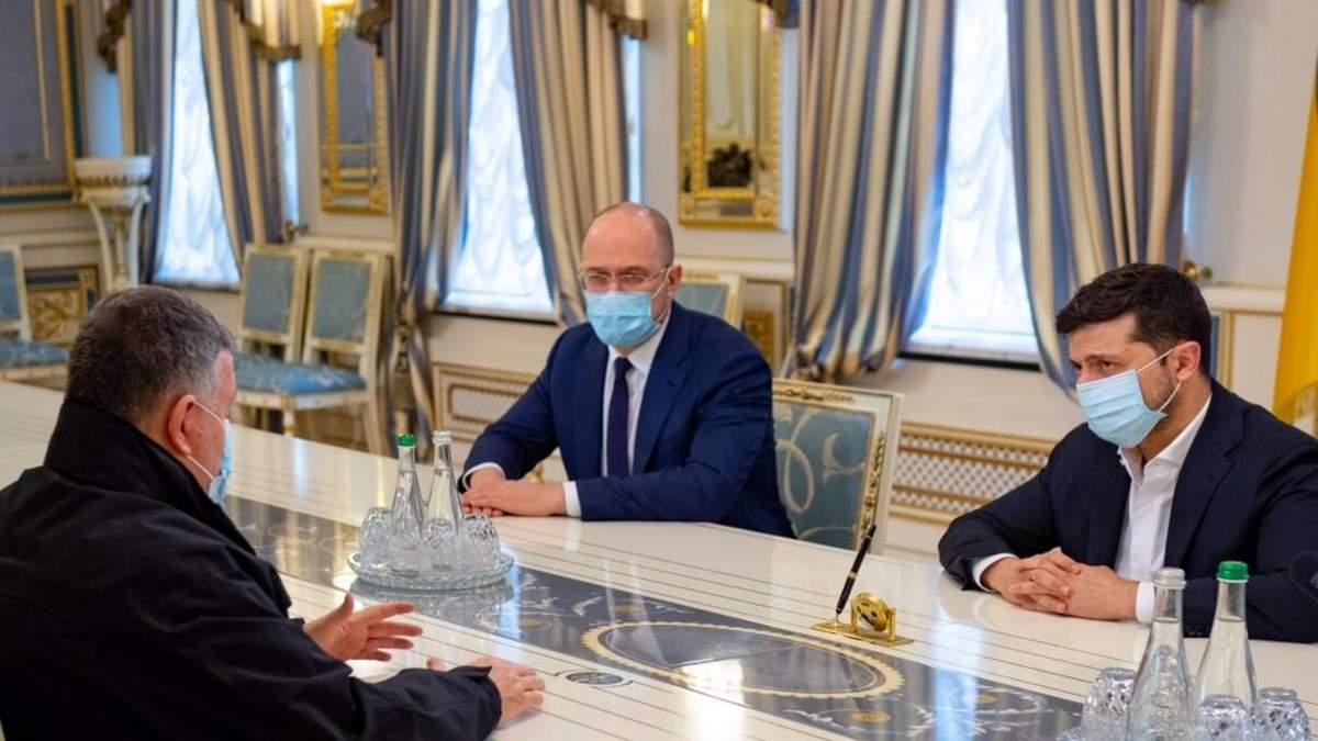 Зеленский не планирует увольнять Авакова после стрельбы в Броварах, – СМИ