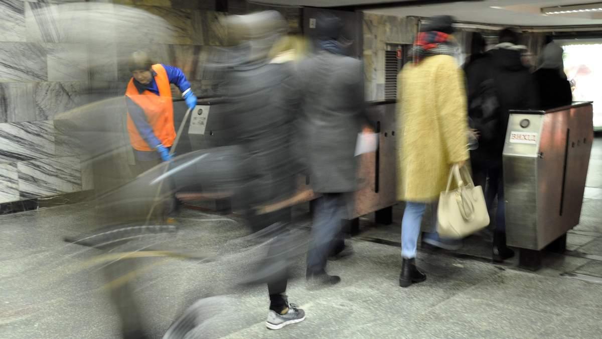 У київському метро знайшли невідомі бактерії