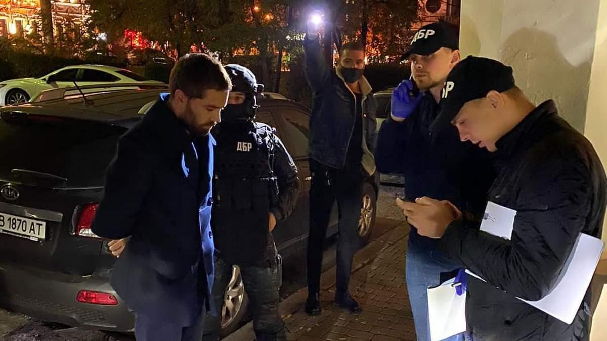 Один из руководителей ДФС поймали на взятке в 200 тысяч долларов